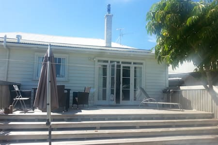 Large House Central Location - Auckland - Rumah