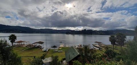 Casa Orilla Lago Vichuquén