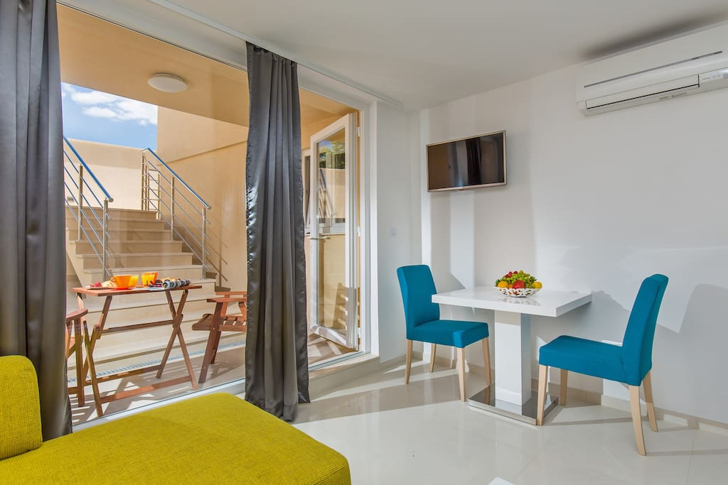 Welcome To St. Thomas Deluxe Studio Yellow, great place for 2 person while staying in Dubrovnik
