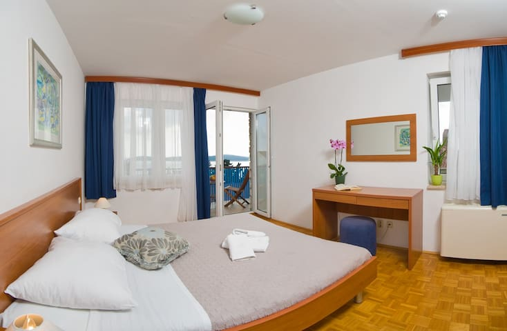 Accommodation with free breakfast - Hvar - Bed & Breakfast