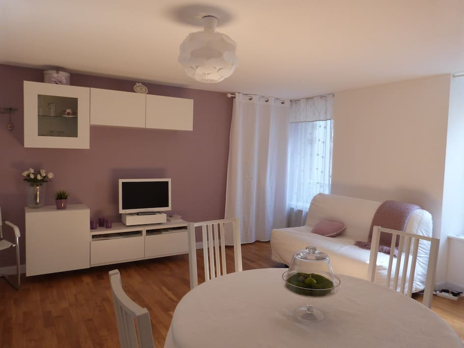 studio coquet en bord de mer appartements louer binic bretagne france. Black Bedroom Furniture Sets. Home Design Ideas