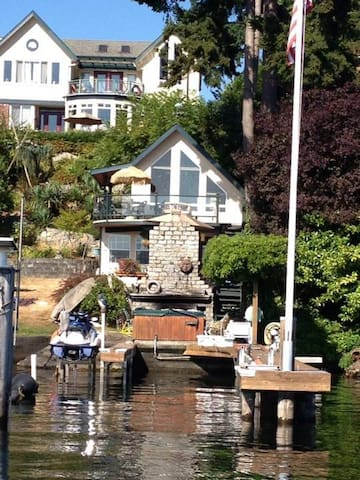 lake washington waterfront home houses for rent in seattle