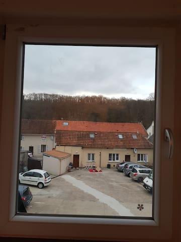 studio elancourt village