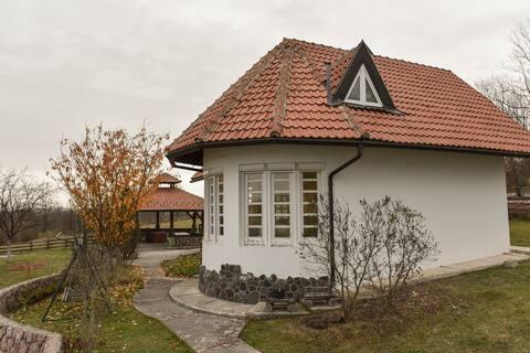 Villa Mira- Mačkat