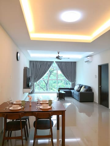 The SunShine @ Cornerstone Condominium - 3BR
