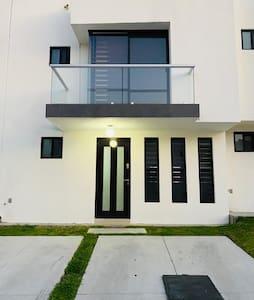 Bonita Casa en Zibata Querétaro