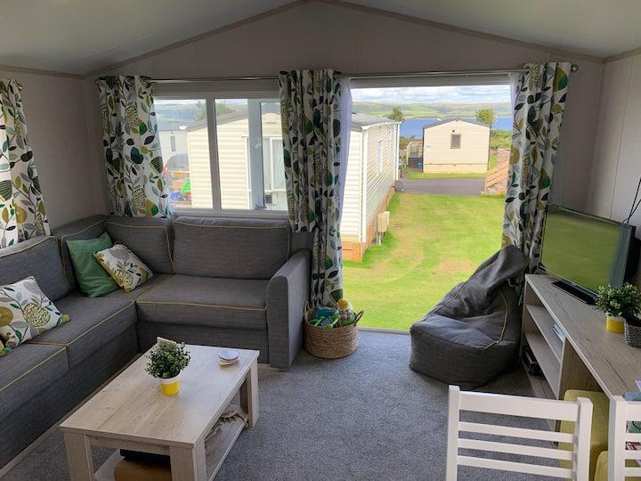 Beautiful Holiday Home on Loch Ryan (30LV)