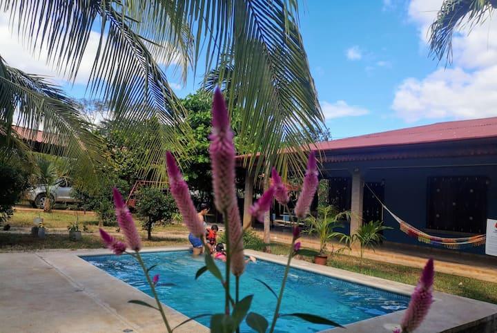 Casa Bambel,  a solo 5 minutos de Playa Tamarindo