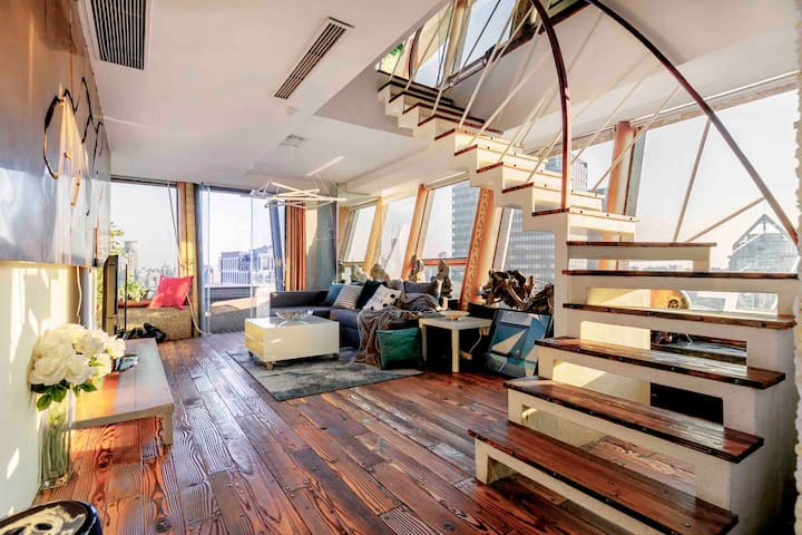 Big Topfloor super loft, View of Bund &City,L10/12
