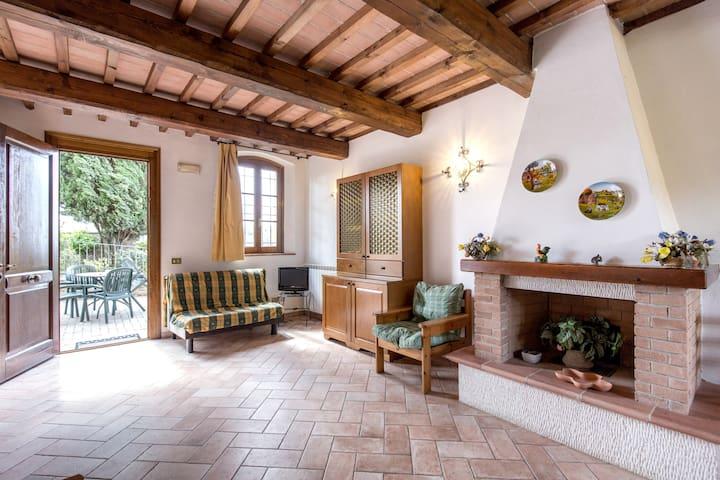 Borgo di Montereggi TWO BEDROOM APT - Capraia e limite - อพาร์ทเมนท์
