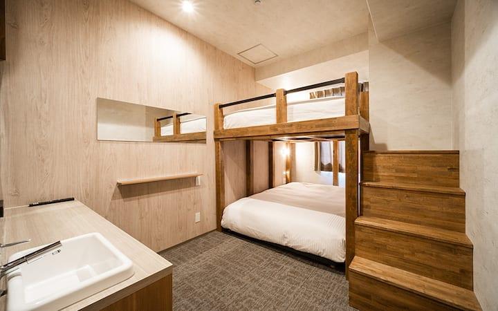 WellStay難波4人部屋(ダブルベッド2)シャワールーム