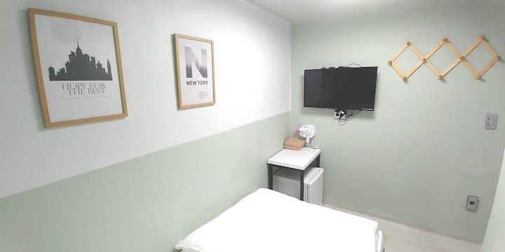 Mini Single room next to dongdaemun station