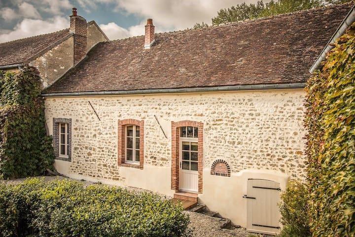 Superbe Cottage privé en Bourgogne - Montigny-la-Resle - Huis