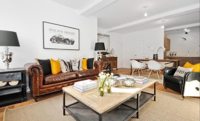 Luxury bedroom in London's zone 1