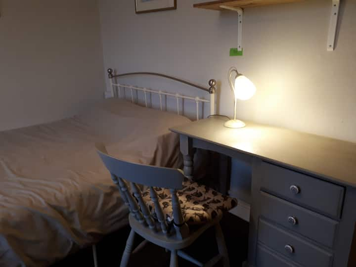 City Centre Spacious Ensuite Room No 2
