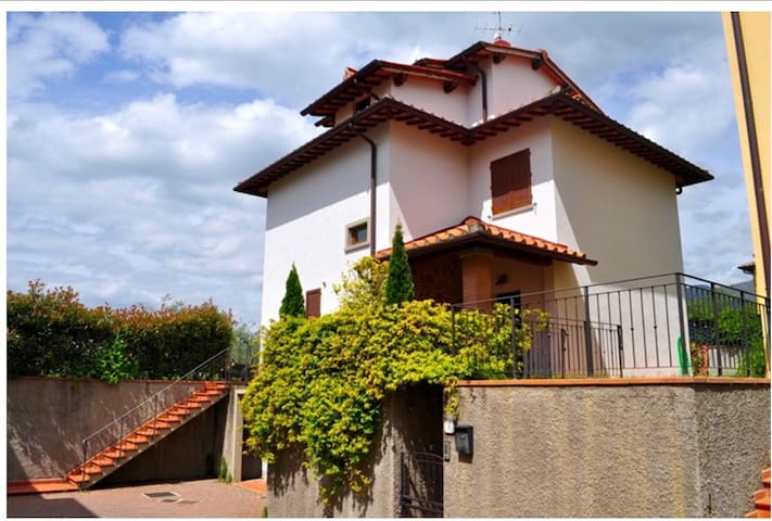 Casa Vacanze Villa Saraswati Luce - เรกเกลโล - วิลล่า