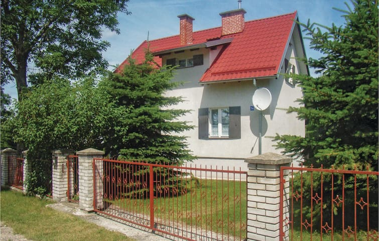 Holiday cottage with 5 bedrooms on 104 m² in Sedansk