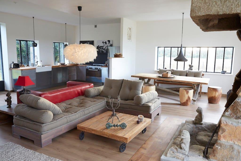 corps de ferme contemporaine 300m2 h user zur miete in. Black Bedroom Furniture Sets. Home Design Ideas