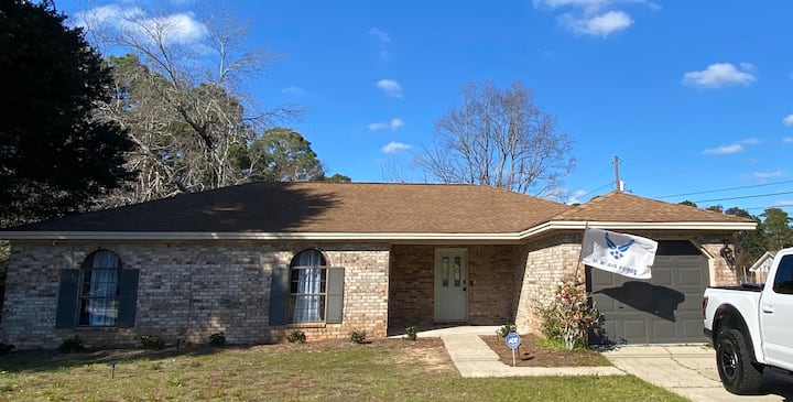 "New-Renobated ""Home Away from Home"", Pensacola FL"
