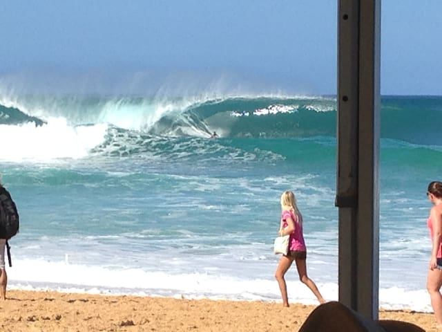 Bonzai Pipeline and the Triple Crown of Surfing