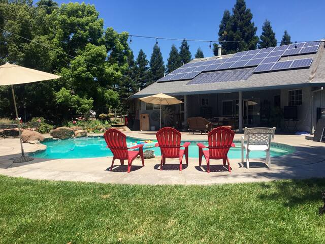 4 BR.   A Backyard Paradise - Chico - Hus