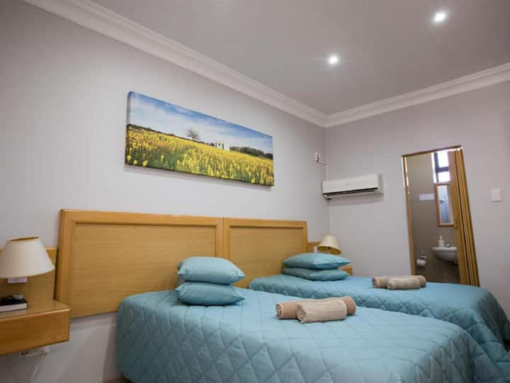 Namaqua Lodge - Standard Twin Room