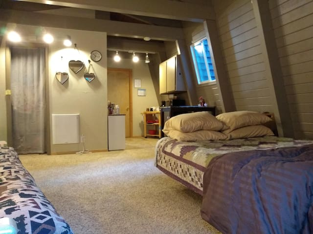 Tahoe Donner-LG Studio w/ PRIVATE Entry-Patio-Bath