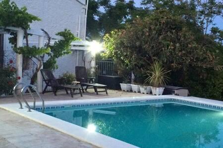 Valencia Country Apartment B&B Pool