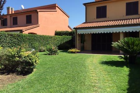 Lovely Villa in Torre di Maremma! - Località Torre di Maremma - Huvila