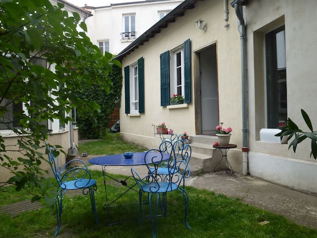 very close to Paris small house 64 m2 - Issy-les-Moulineaux - Dom