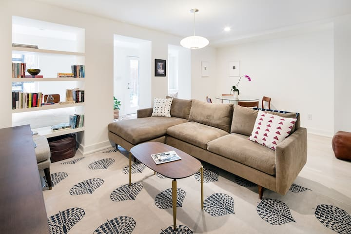 Spacious living room, easy to relax after a day of sightseeing