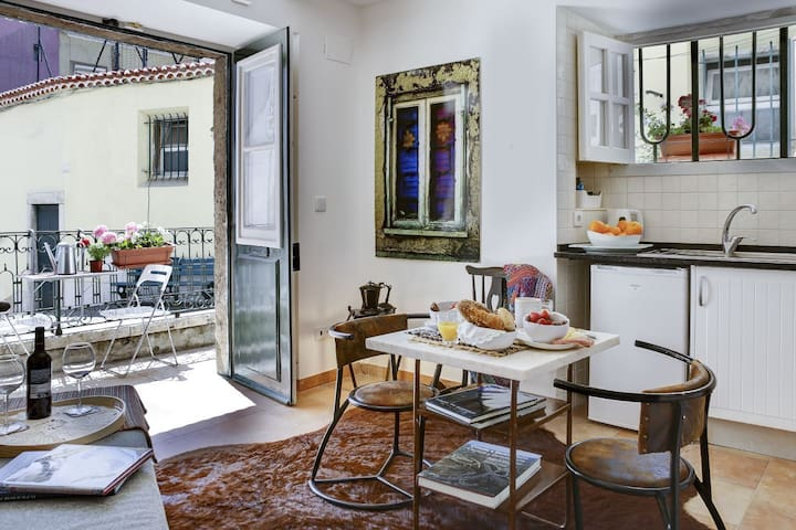 Alfama Pateo Apartment -YouLisbon