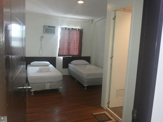 DG rentals, safe and secure - Pasay city - Bed & Breakfast