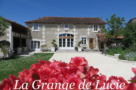 La Grange de Lucie - Les Mésanges - Bed & Breakfast