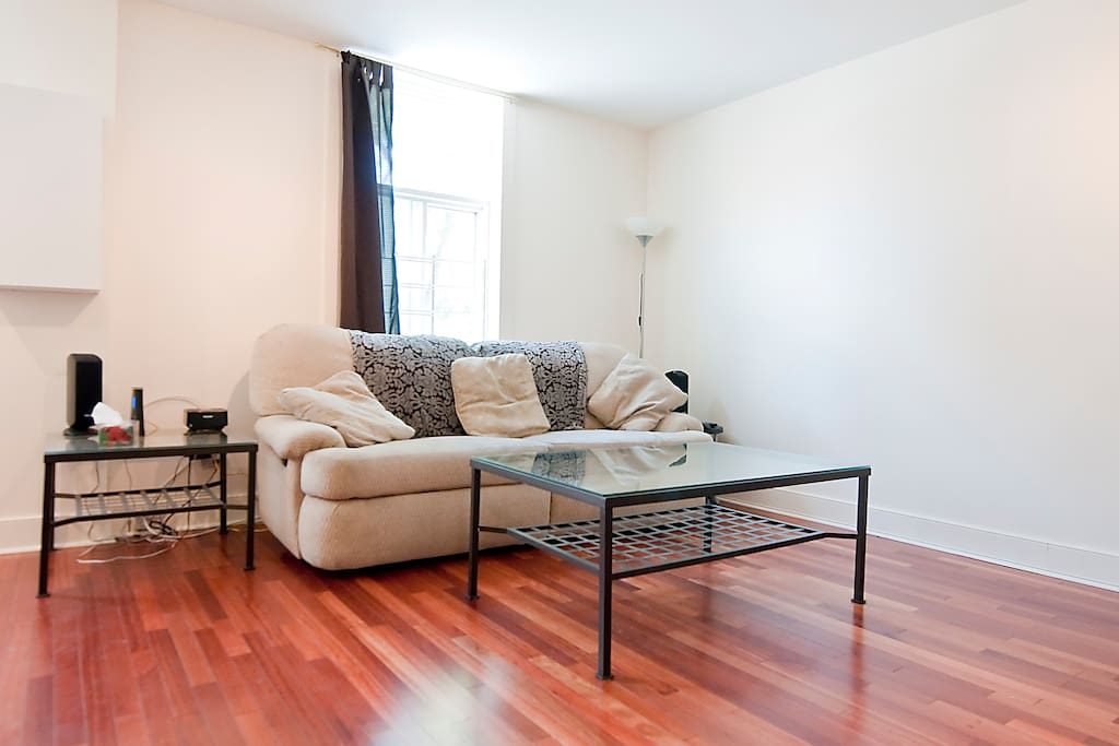 One Bedroom Condo Apartments For Rent In Montreal Quebec Canada