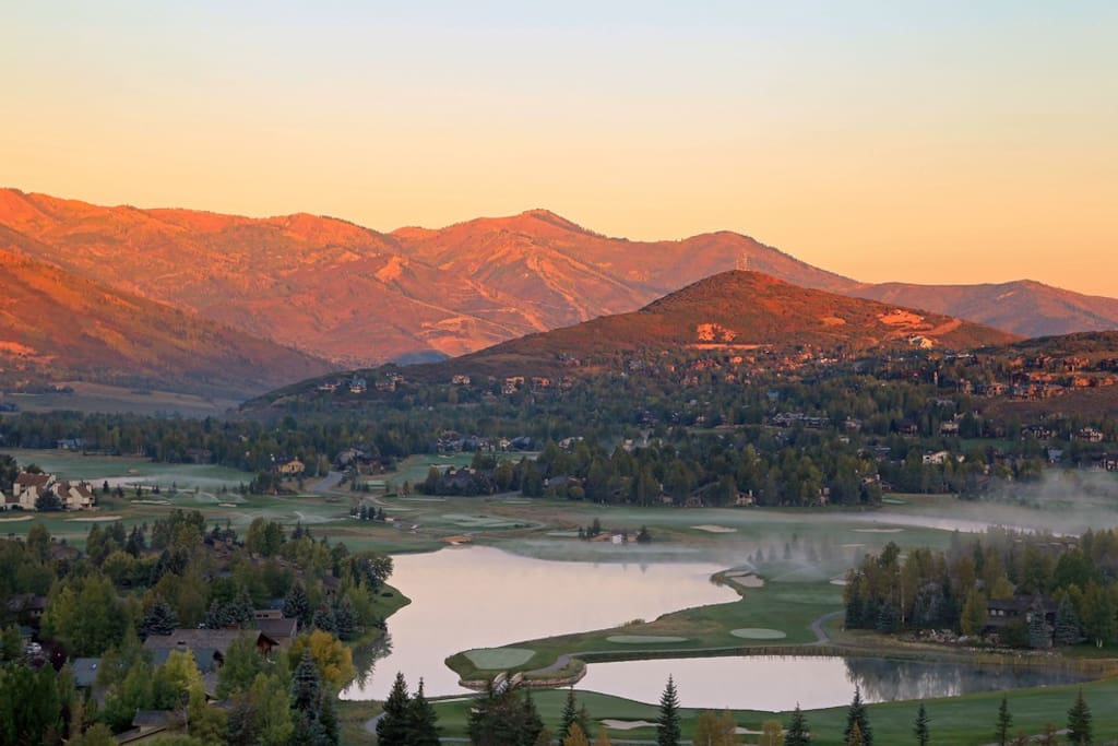 Breathtaking natural beauty and mountain adventures await at this famous Utah destination!