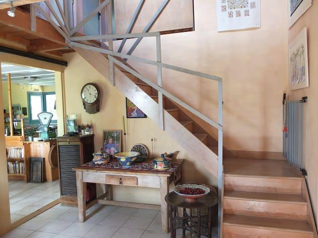 Spacious, sunny, unique 3 bed house - Cornillon - House