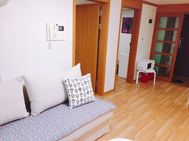 Fancy APT nearby Bulgwang station - 서울특별시 - Apartament