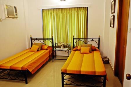 Private Guest at Ballygunge - Calcutta - Bed & Breakfast