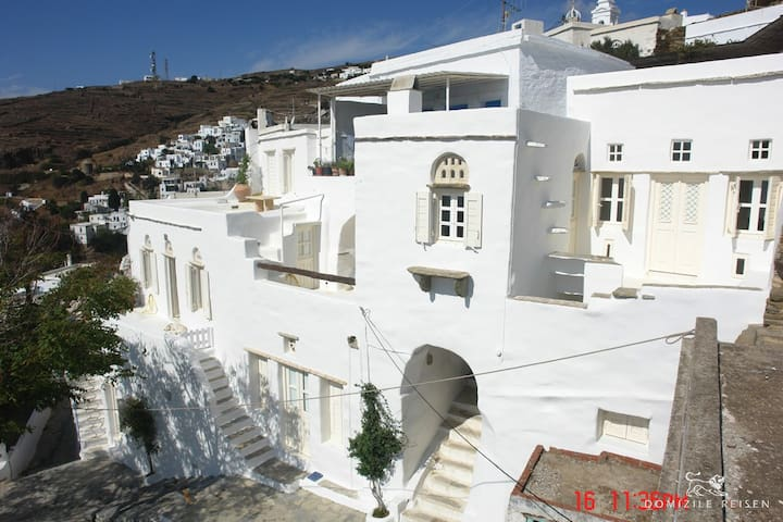 Tinos Villa (Traditional Villa in Triantaros) - Tinos - Villa