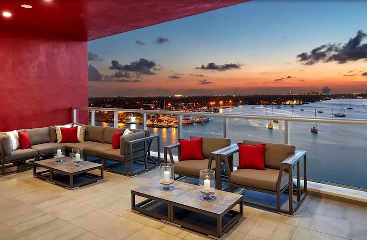 OCEAN STUDIO - Beach Resort with Rooftop Pool/Bar