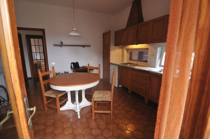 cucina vista  dal terrazzo