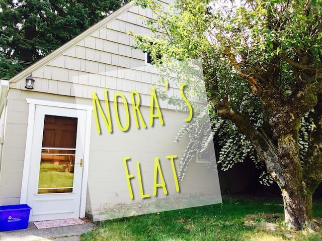 Nora's Flat- friendly, fun, versatile and private