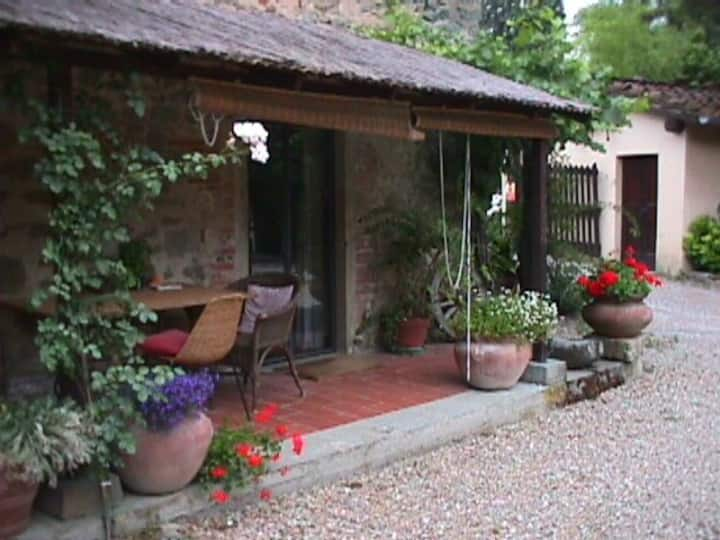 """CHARMING APT  IN MEDIEVAL MILL  :  """" STANZINA """""""
