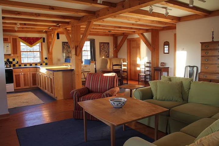 Rural converted post and beam barn - Alna - Casa