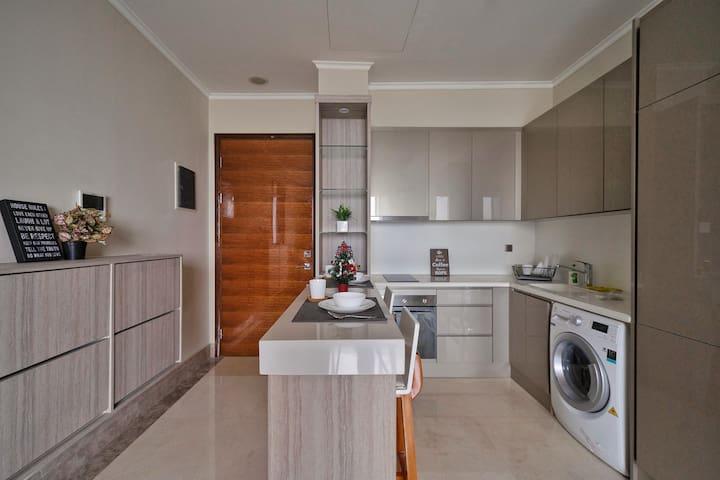 Kitchen, Fridge, Washing Machine