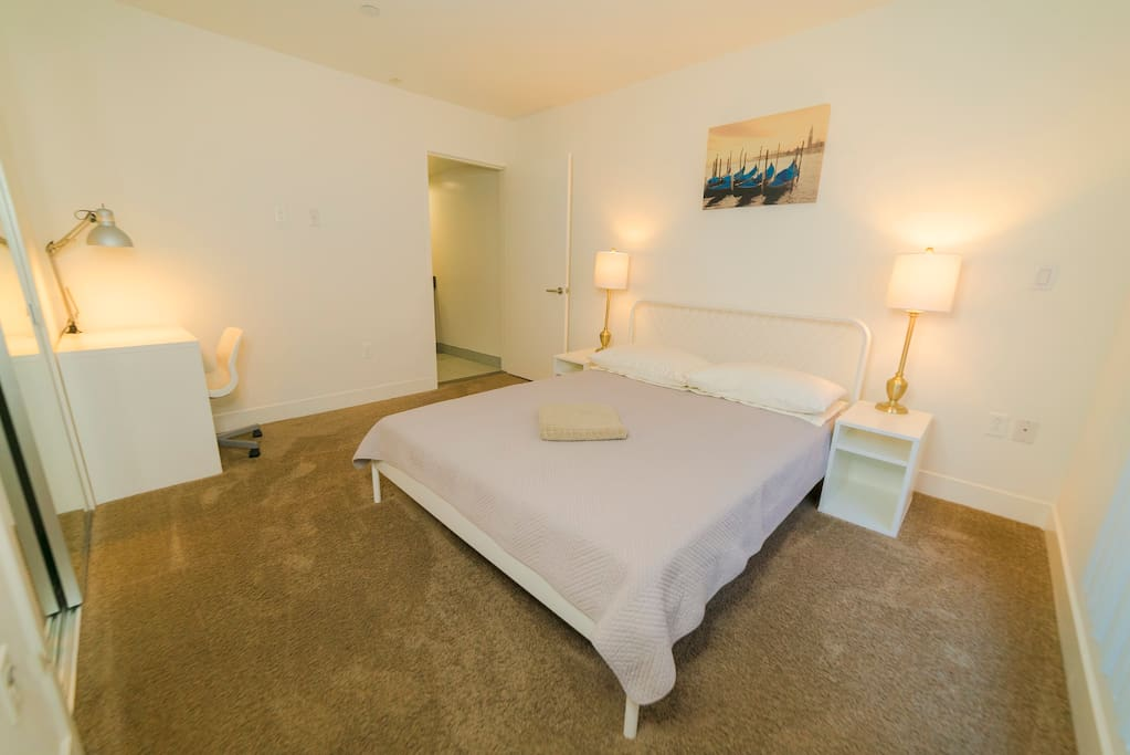 Cozy Room In Hollywood With Private Bathroom Apartments For Rent In Los Angeles