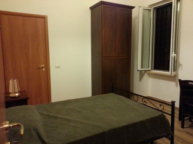Rent Room in Rome - Roma - House