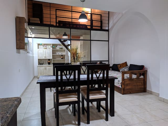 LOFT ONCE 07 - CENTRICO. Apto p/ 4 pers.