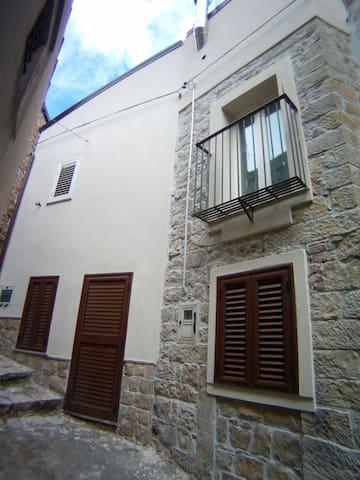 vista stupenda sul terrazzino - Castel di Lucio - Casa